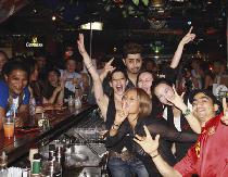 [六本木] 六本木国際交流パーティー Bar Quest にて 1500円 外国人の友達を見つけよう!