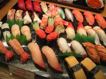 [表参道] 8月9日(土)表参道国際交流寿司パーティー 外国の方や海外に興味のある方とお寿司と飲み放題で交流会