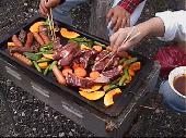 [板橋区 ] 友達作りBBQ!都内からも近くて広々した赤塚公園で開催。皆で野菜を切ったりお肉を焼いたりお話したり!