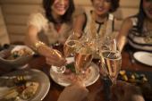 [銀座] ♡銀座・大人のお酒と料理の交流会・女性に人気!とろける「松坂牛とイベリコ豚の肉炊き鍋」♪♪♡